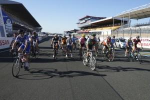 C'est parti pour 2 heures de courses. 26 journalistes étaient au départ de cette 51 e édition du championnat de France UJSF-FFC