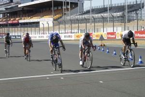 Le sprint pour la 2e place a été remporté par l'Angevin Josselin Clair.