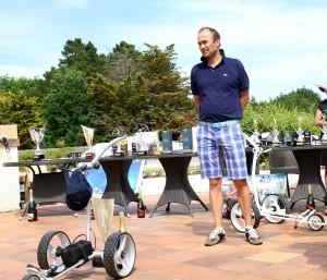 Guillaume Michel a quitté La Baule avec un chariot électrique offert par Golf K-dy.