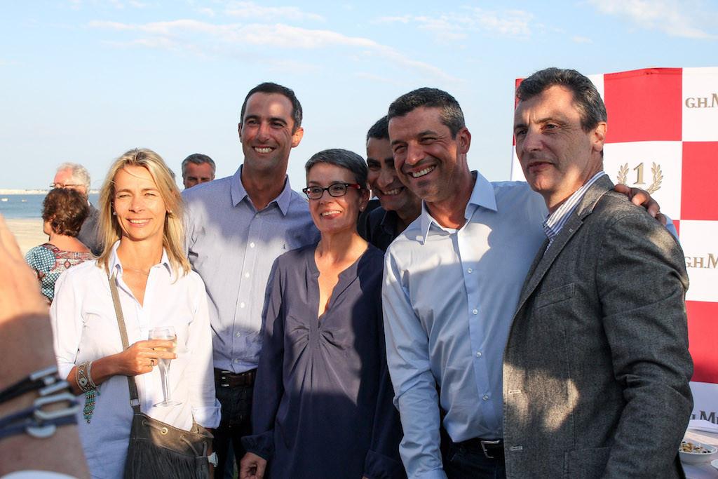 Armel Le Cléac'h en compagnie d'Isabelle Toublant et de Patrice Roubaut (TF1), de Jean-Wilfrid Forquès et Thierry Arnaud (BFM TV). Tous seront à nouveau à La Baule cette année.