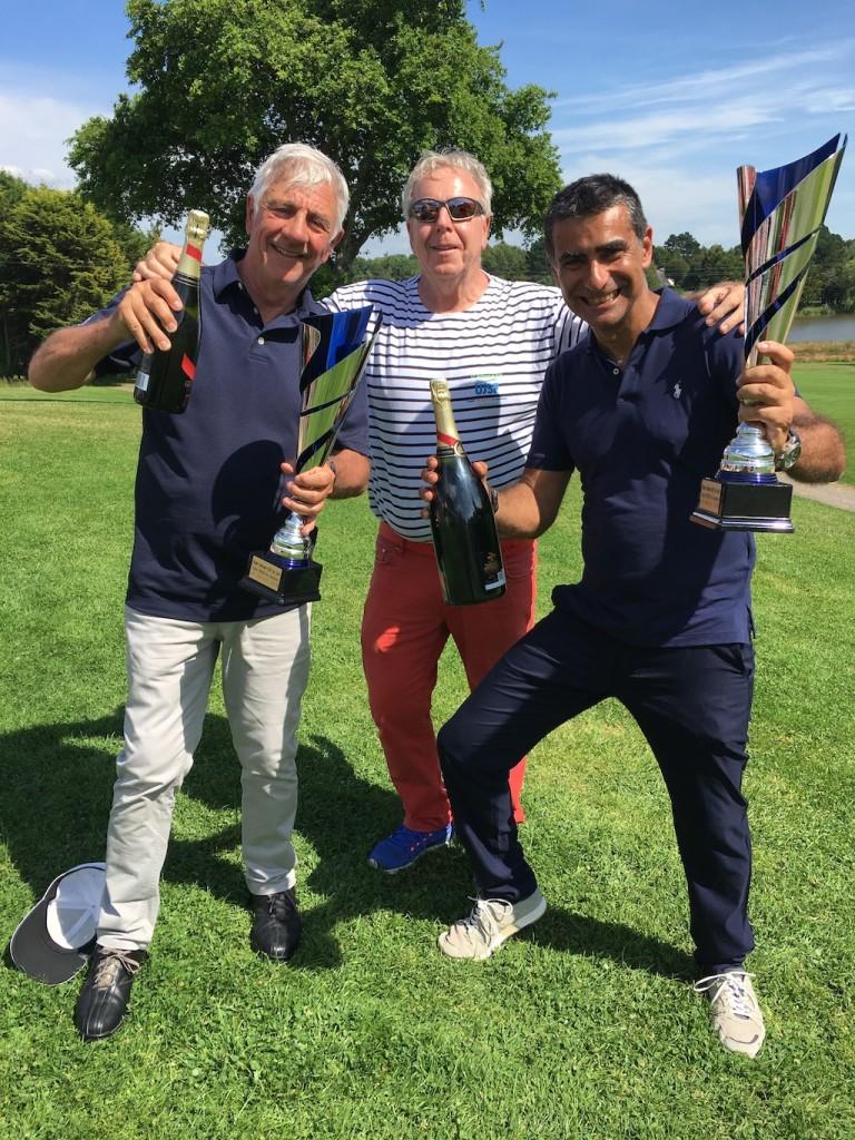 Hégémonie corse en 2e et 3e série ! Michel Luccioni et Patrice Roubaud en compagnie de Jean-Claude Virfeu.